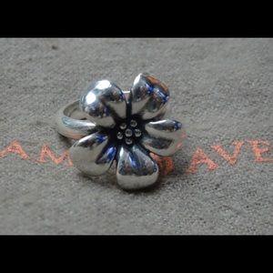James Avery Retired design flower ring sz 6.5